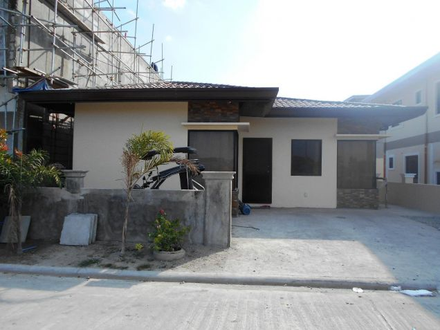 (3)Three Bedroom Semi Furnished House and Lot For Rent - 6