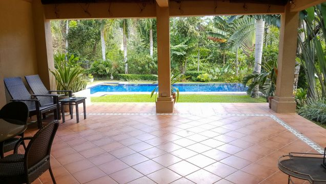 Beautiful 4 Bedroom House with Swimming Pool for Rent in Maria Luisa Estate Park - 6