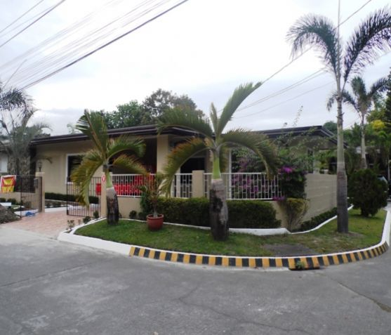 Bungalow House with 3 Bedroom For Rent near SM Clark -38K - 3