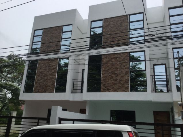 Affordable thru pag ibig townhouse for sale in west for Affordable furniture quezon city