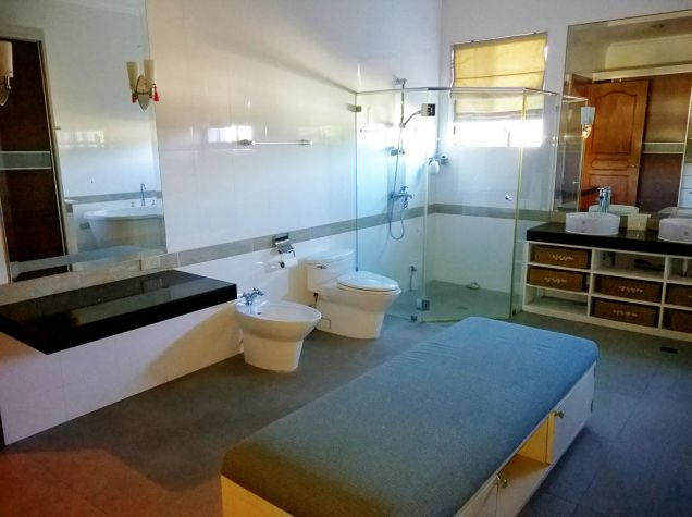 5 Bedroom House for Rent in Maria Luisa Park Cebu City - 4