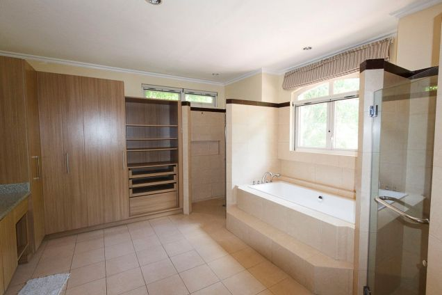 3 Bedroom House for Rent in Maria Luisa Park - 2