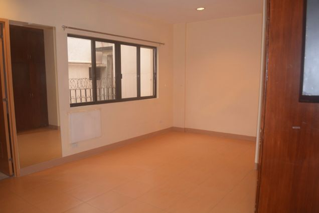 Lahug townhouse with 3 bdrms unfurnished inside gemsville P27K - 7