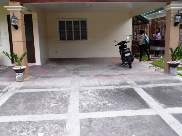 W/Huge Yard  Corner Lot House & Lot For Rent In Friendship Angeles City - 9