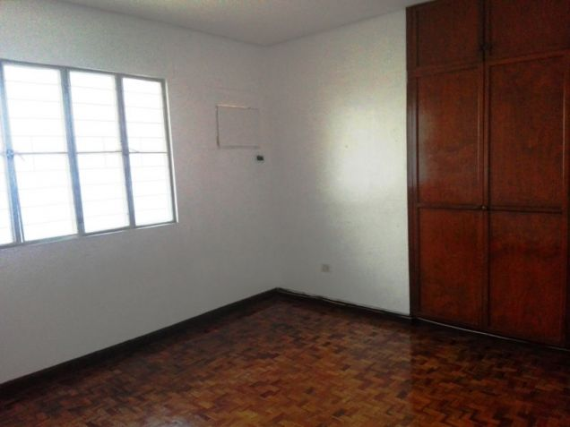 550sqm Bungalow House & lot for rent in Frienship,Angeles City - 3