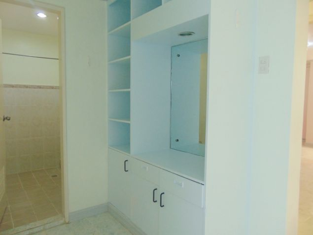 Apartment for rent in Mabolo Cebu City with 4 Bedrooms Unfurnished - 5
