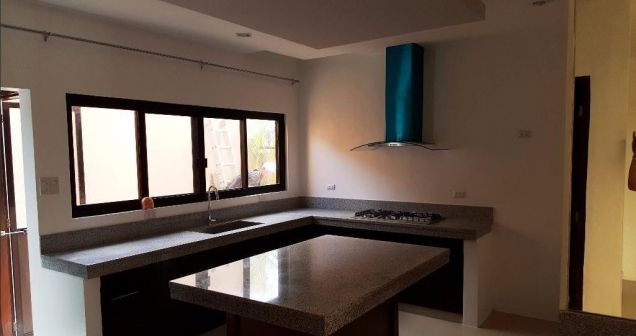 For Rent New House In Angeles City With Four Bedrooms - 9