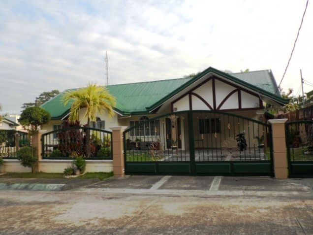 Bungalow House w/ Spacious yard for rent in Angeles City, Pampanga @P50K - 9