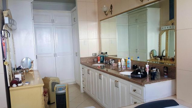 For Rent Gorgeous 4 Bedrooms Beach House in Minglanilla Cebu - 6