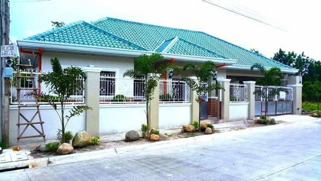 Bungalow House For Rent With 3 Bedrooms In Angeles City - 0