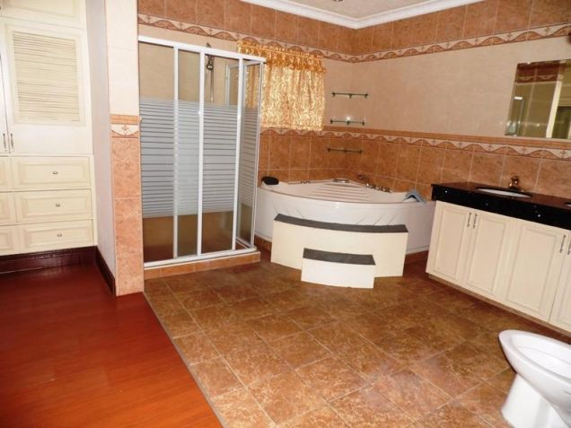 Two Storey House for rent with 6 bedrooms in pool in Hensonville - 7