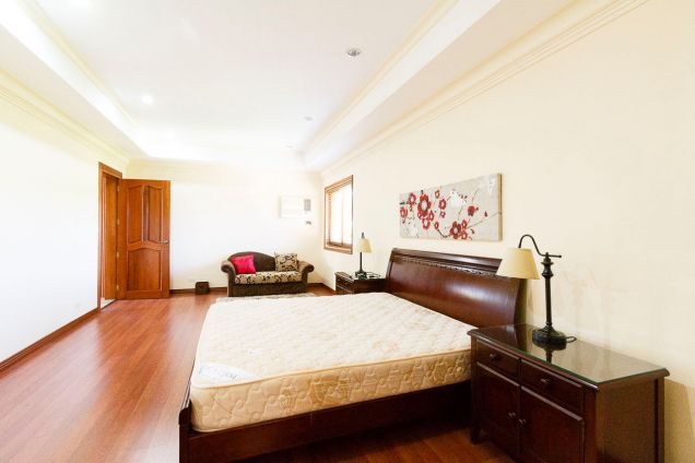 4 Bedroom House with Swimming Pool for Rent in Banilad - 5