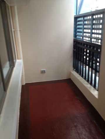 Condo/Apartment in Manhattan Parkway, Quezon City - For Sale (Ref - 23719) - 1