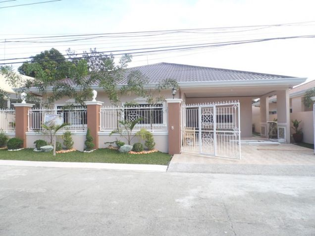 Spacious Bunglow House with 3 Bedrooms for rent - 50K - 4