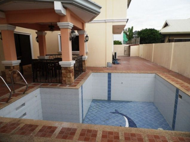 House and lot w/ 7 Bedroom & Pool for rent for P180K - 7