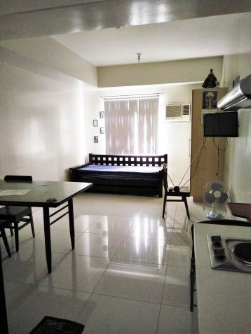 Studio Unit for Sale with Furnitures for La Salle, Benilde, St. Scholastica students, employees or investors at Taft, Malate - 7
