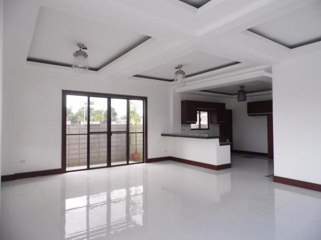 4 Bedroom Nice House in a Exclusive subdivision in Angeles City - 2
