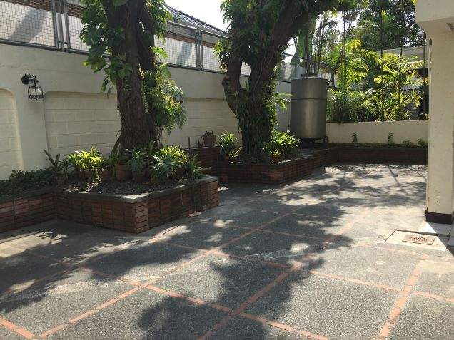 House for Rent in Dasmarinas Village - 1