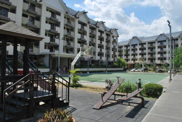 East Raya Gardens 2BR Mercedez Ave . Pasig City near Tiendesitas and SM Hypermart, Puregold  C, Reymundo - 2