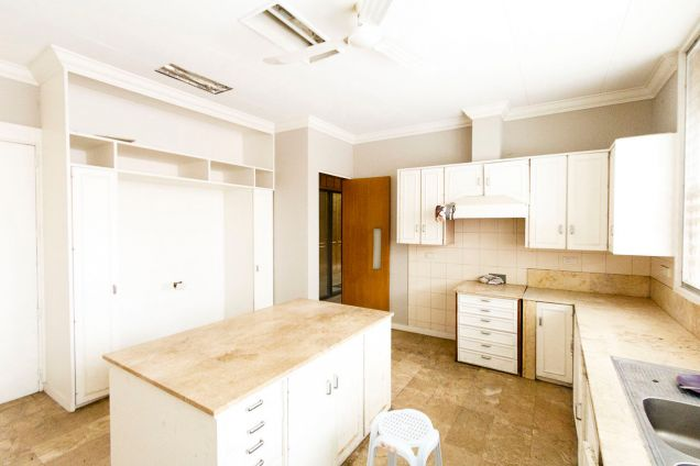 Large 5 Bedroom House for Rent in Maria Luisa Park - 8