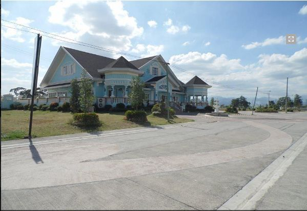 3 Bedroom House & Lot for Rent in Angeles City for P25k only *Corner Lot* - 3