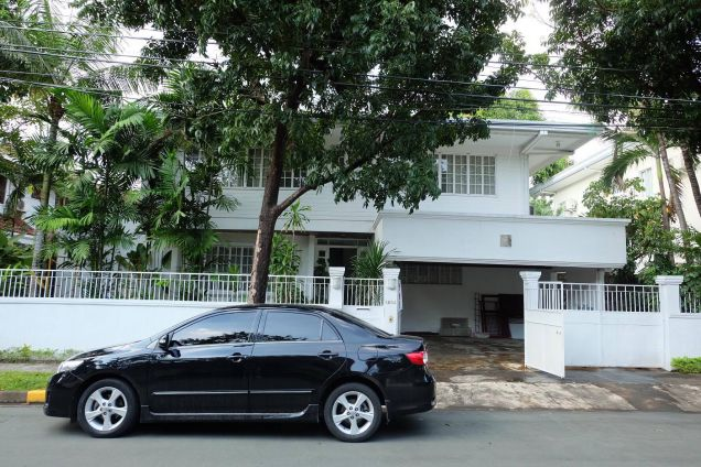 Dasmarinas Village 2 storey house and lot with garden and swimming pool - 0