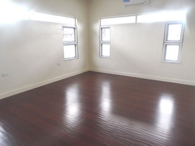4 Bedroom House with Swimming pool for rent - 100K - 8