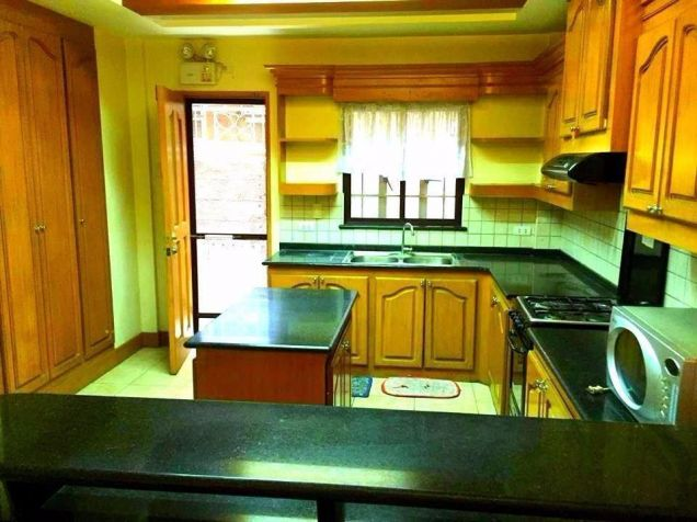 For Rent Three Bedroom House In San Fernando City - 9