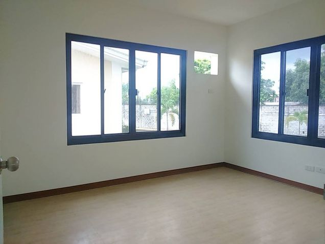House and lot for rent inside a gated Subdivision in Hensonville - 50K - 7