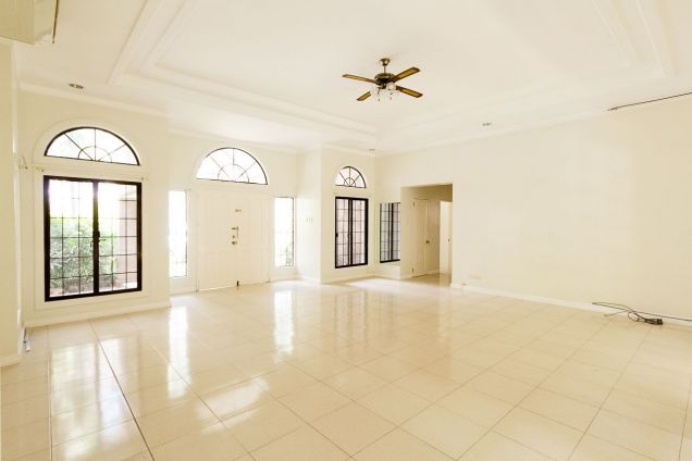 Spacious 4 Bedroom House with Swimming Pool for Rent in North Town Homes - 0