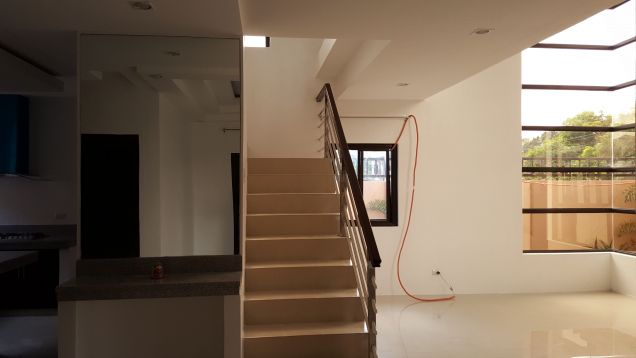 Unfurnished Four Bedroom House In Angeles City For Rent - 1
