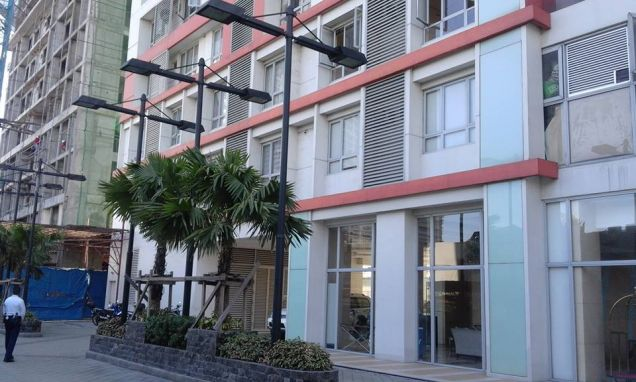 Furnished and Very affordable Studio condo unit near Boni Mrt Station and Cybergate. - 0