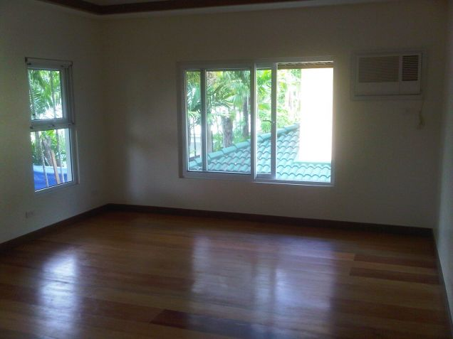 Ayala Alabang Modern House For Rent - 5