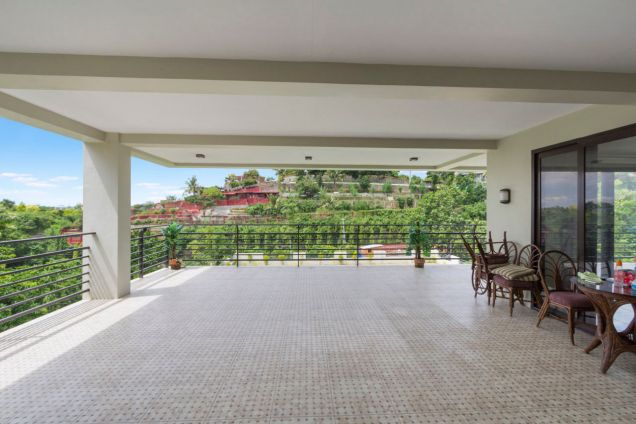 Spacious 7 Bedroom House with Swimming Pool for Rent in Maria Luisa Park - 5