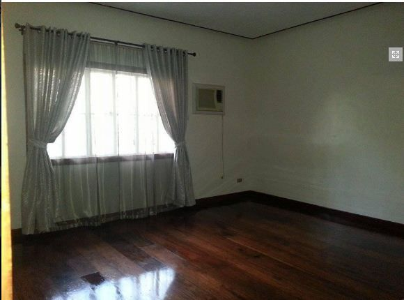 Bungalow House With Big Garden For Rent In Angeles City - 1