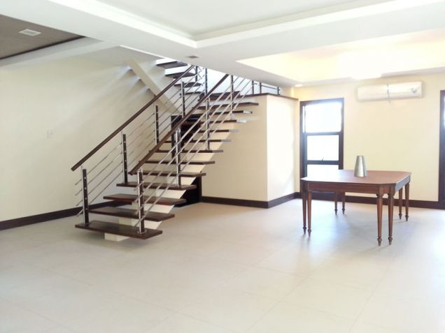 Modern 4 Bedroom House for Rent in Cebu Banilad - 4