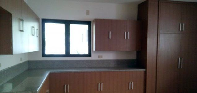 3 Bedroom Well-Maintained House for Rent in Urdaneta Village Makati(All Direct Listings) - 1