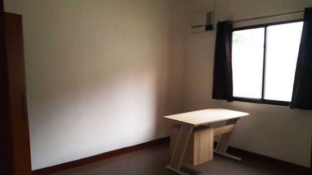 3 bedrooms for rent near SM Clark - P 35K - 9