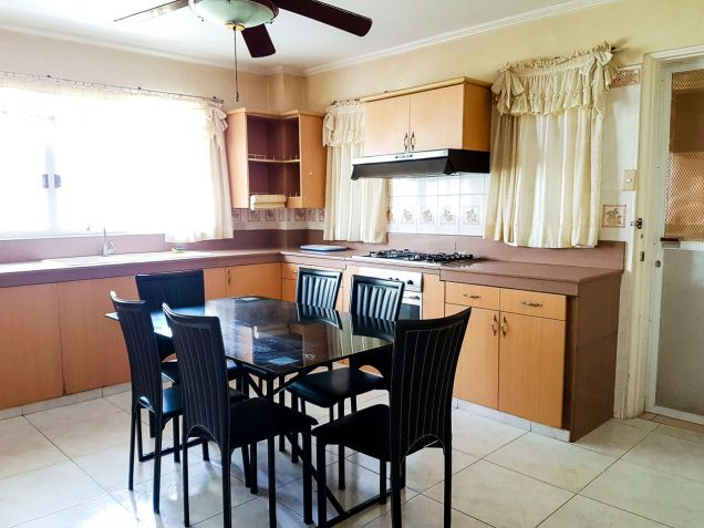 Spacious 7 Bedroom House for Rent in North Town Homes - 2