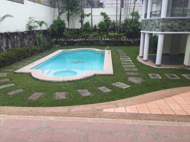 House for Rent in Dasmarinas Village - 3