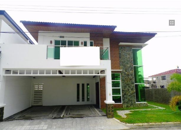 Modern House with swimming pool for rent in Hensonville - 80K - 5