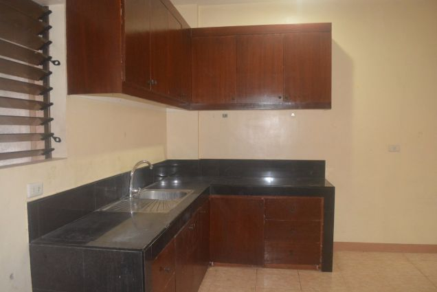 Lahug 2 storey townhouse with 3 spacious bedrooms unfurnished P25K - 2