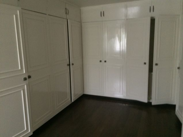 Dasmarinas Village Makati House Classic Style for rent - 2