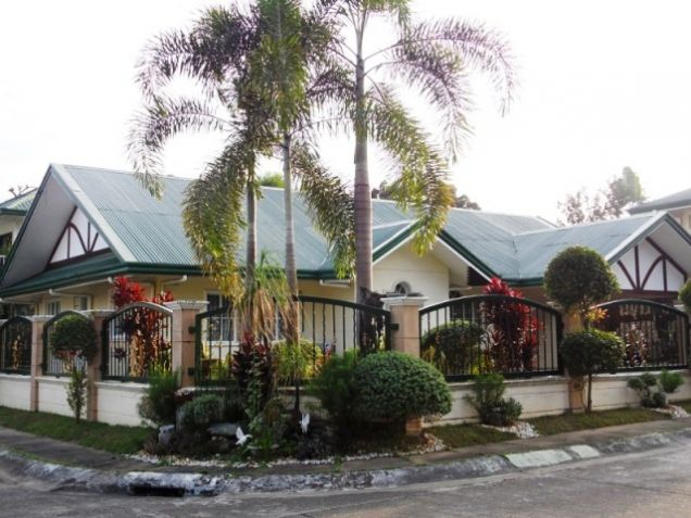 Bungalow House w/ Spacious yard for rent in Angeles City, Pampanga @P50K - 0