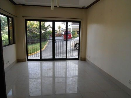 House and Lot, 3 Bedrooms for Rent in Lahug, Cebu, Cebu, Cebu GlobeNet Realty - 2