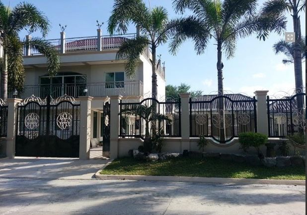 Unfurnished 8 bedroom House For Rent in Angeles City, Pampanga @150K - 0