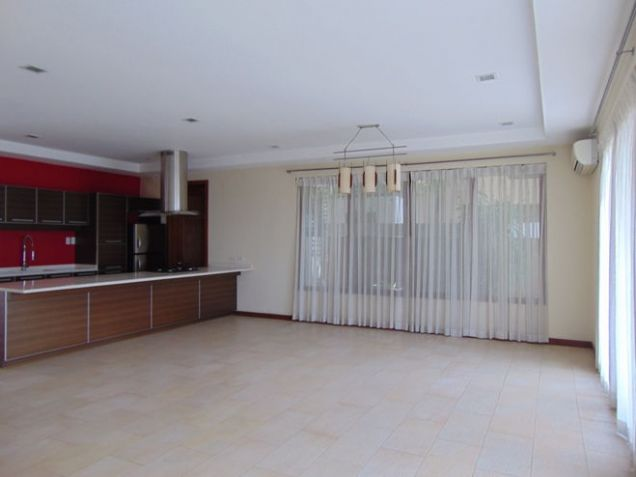 Semi Furnished House For Rent 3 Bedrooms in Banawa Cebu City 300 sq.m. floor area - 7