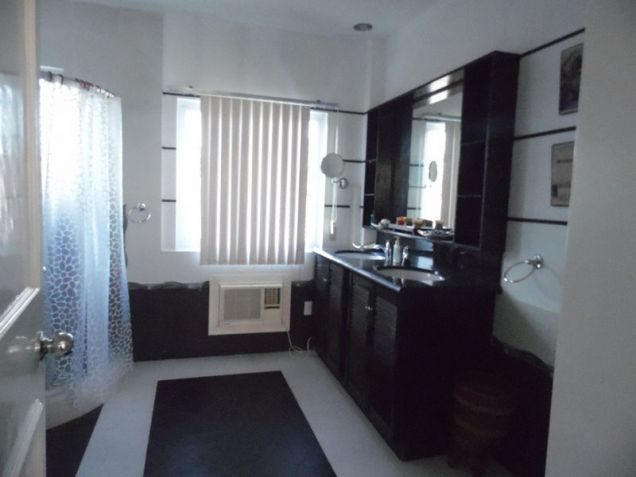 6 Bedroom House with swimming pool for rent - 80K - 8