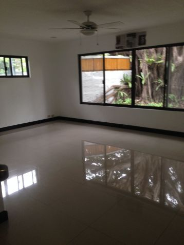 House and Lot, 4 Bedrooms for Rent in Dasmarinas, Makati, Eckhart Ang - 9