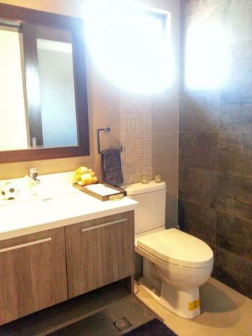 Modern 4 Bedroom House for Rent in Cebu Banilad - 9